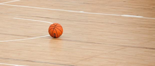 Ball auf Court